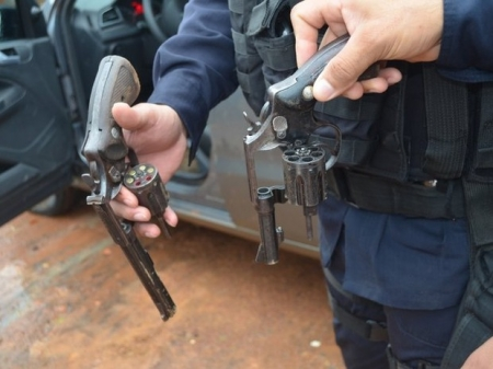 Ação entre polícias prende 13 pessoas suspeitas de crimes