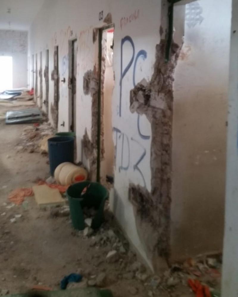Briga entre facções deixa 19 celas destruídas no Centro de Ressocialização de Ariquemes (Foto: Reprodução)