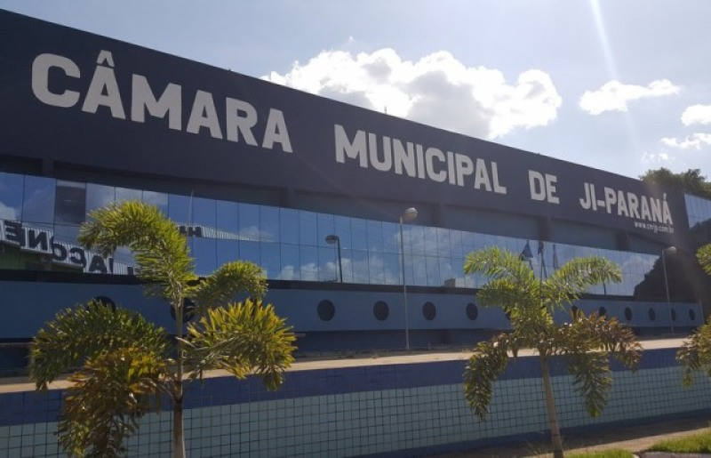 Câmara Municipal de Ji-Paraná só se pronunciará depois que o vereador se entregar (Foto: Marco Bernardi/G1))