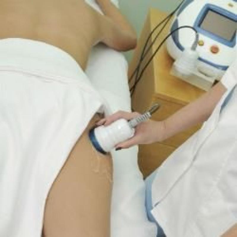 A radiofrequência também age no tratamento da gordura localizada (Foto: Reprodução)