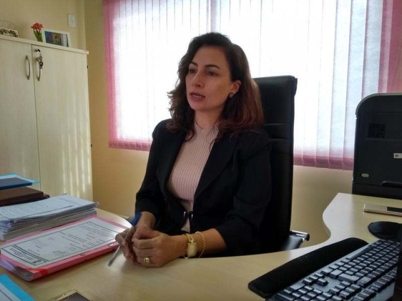 Delegada Solângela investiga o caso (Foto: Eliete Marques/G1)