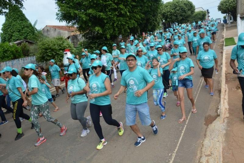 Caminhada Passos que Salvam em Jaru, RO (Foto: Flavio Afonso/A Notícia Mais/Reprodução)
