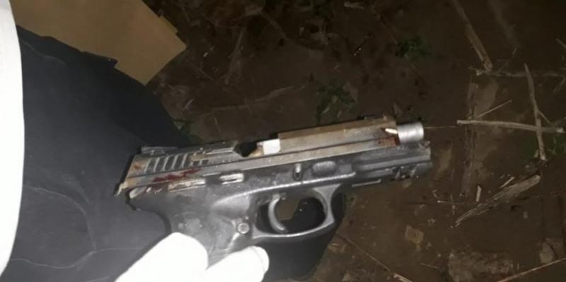 Arma encontrada na cena do crime em Ji-Paraná, RO (Foto: Polícia Civil/Divulgação)