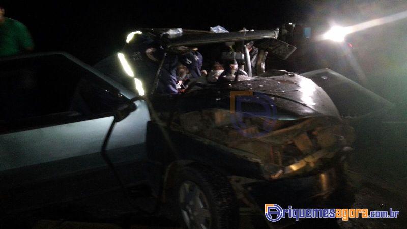Grave Acidente na Br 364 envolvendo Toyota SW4 e Fiat Uno deixa várias pessoas feridas