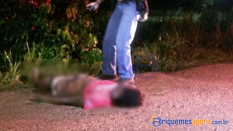Mulher morre atropelada enquanto caminhava na BR-364